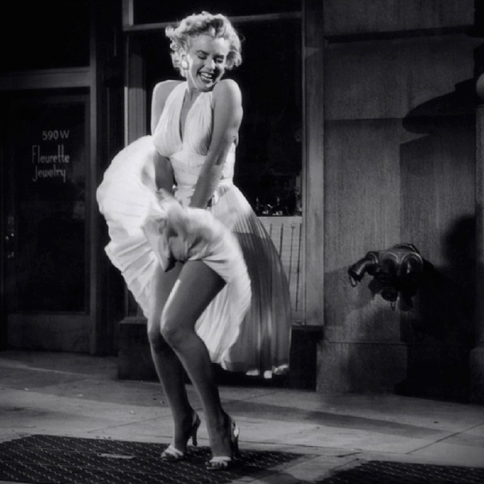 Marilyn Monroe in front of Trans-Lux Theatre